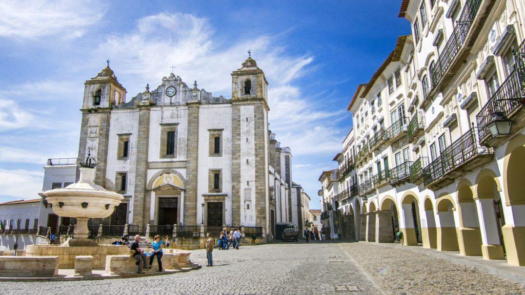 Evora-Portugal-Feature