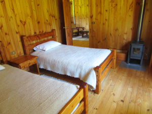 lodge10_cabins_bedroom